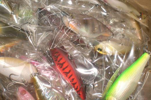 各種有名ルアーが入庫しました。約100個